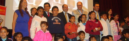 """Autoridades del Gobierno del Distrito Federal y de KidZania México, en el lanzamiento del programa """"Turismo para ti"""""""
