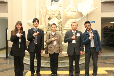 From left to right: Ms. Elba González -Manager, KidZania Hospitality-, Mr. Morio Sut-su -Second Secretary of the Political Section, Embassy of Japan to Mexico-, Mrs. Reiko Megata, H. E. Shuichiro Megata -Ambassador of Japan to Mexico-, and Mr. Erick Galicia -Counselor, Japan, South Korea and Mexico-, at the Independence Fountain of KidZania Cuicuilco in Mexico City.
