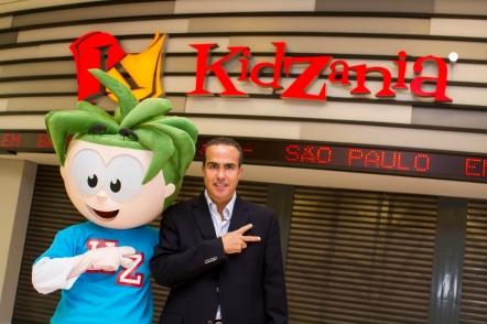 Xavier López and Urbano at KidZania São Paulo