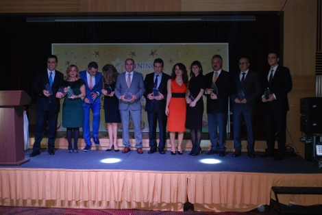 Members of KidZania Istanbul receive the award