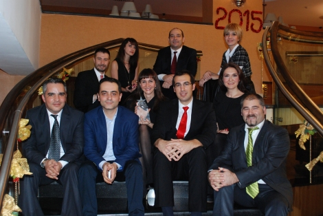 Lara Sayinsoy, Governor of KidZania Turkey, with representatives of KidZania Istanbul.