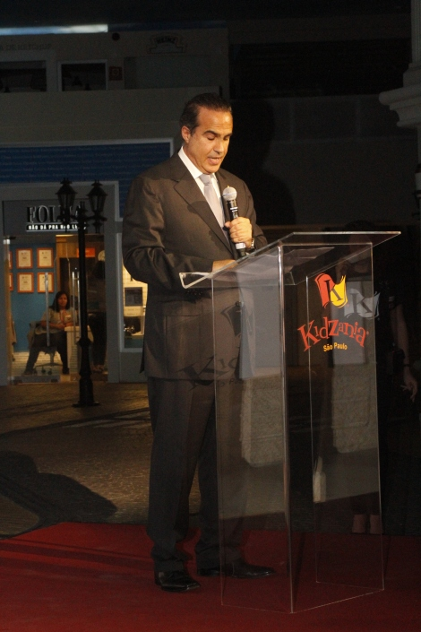 Mr. Xavier López -President of KidZania- during his inaugural speech.