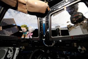 Urbano and Vita in Space 01